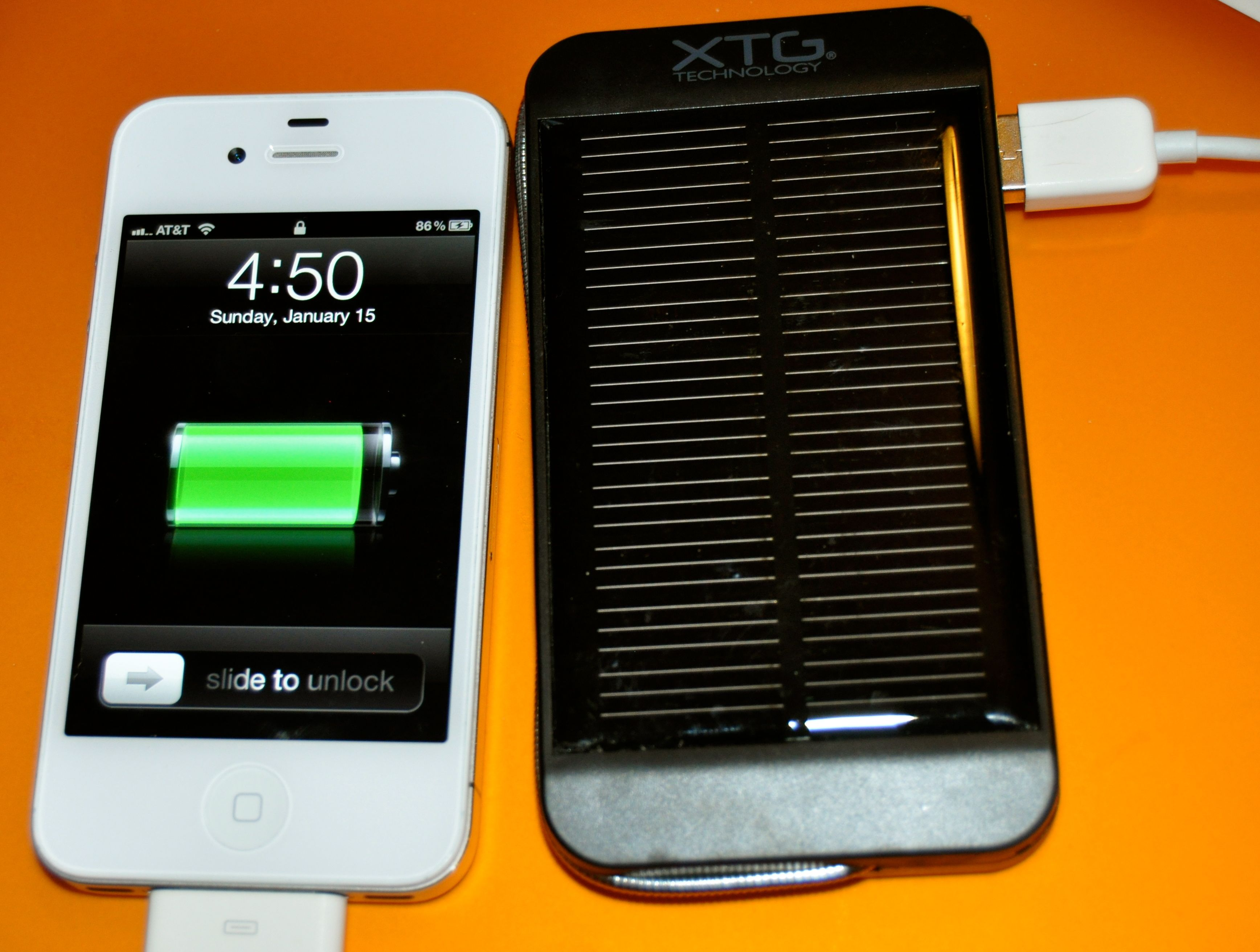 Review Solar Powered Phone Charger And Flashlight Green