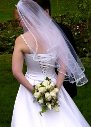 Where to donate your stuff 101 places your clutter can do for Places to donate wedding dresses