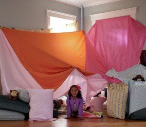 sheet-tent-indoor-ictcrop_gal