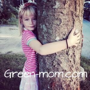 Bella hugging tree