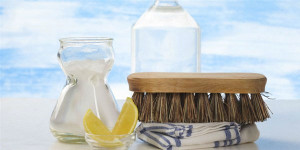 DIY-Cleaning-Products-