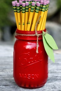 pens-in-mason-jars