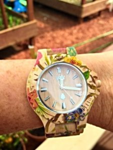 wewood-watch-on-arm